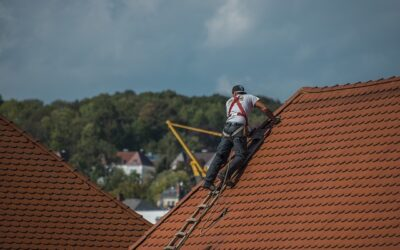 2 Commercial Roofing Mistakes Businesses Must Stop Making